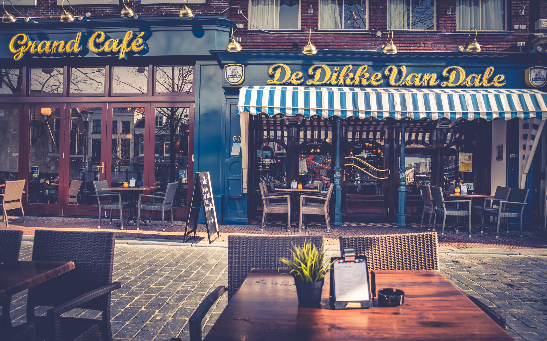 Dikke Van Dale Noord Nederland Interieurs